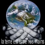 Terre entre nos mains